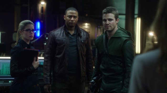 Arrow-Cave-Felicity-Diggle-Oliver
